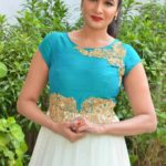 actress-anjena-kirti-latest-stills-4