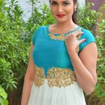 actress-anjena-kirti-latest-stills-9