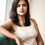 actress-shraddha-srinath-photoshoot-stills-22