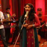 manjal-veyil-song-cover-by-minnal-music-senthil-kumaran-16